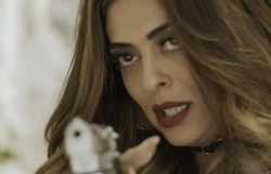 A Força do Querer: Bibi perde a negociação de armas com os bandidos. Confira o resumo desta terça