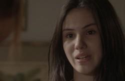 Totalmente Demais: Jojô tira uma foto comprometedora de Carolina e ameaça mostrar a Arthur. Confira o resumo desta quarta