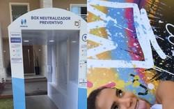 Anitta instala máquina 'anticorona' na porta de sua mansão (Foto: Reprodução/Instagram)