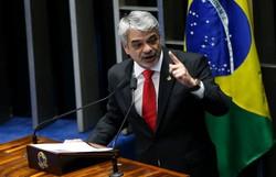 ''O PT não está pedindo nenhum espaço e não pretende ter nenhum espaço na Prefeitura'', dispara Humberto Costa (PT) (Divulgação)
