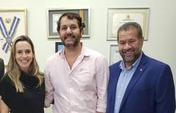 Carlos Lupi e grupo de pedetistas manifestam apoio à pré-candidatura de Isabella de Roldão (Foto: Divulgação )