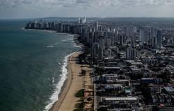 Governadores assinam carta para firmar compromisso ambiental (Foto: Paulo Paiva / DP)