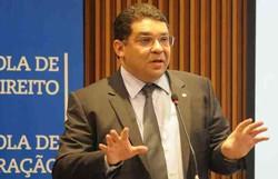 Crise: nova MP pode refinanciar impostos de empresas endividadas (Foto: Carlos Moura/CB/D.A Press)
