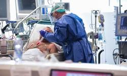 Apenas um a cada três pacientes de Covid-19 sobrevive nas UTIs brasileiras (Foto: Piero Cruciatti/AFP )