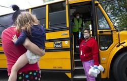 Professores fazem carreatas nos EUA contra reabertura de escolas (Foto: Karen Ducey/AFP)
