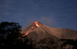 Vulcão de Fogo entra em erupção na Guatemala (Foto: JOHAN ORDONEZ/AFP)