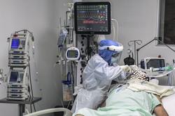 Surtos de Covid são ligados a aumento nos casos de derrame, mostra estudo (Foto: JOAQUIN SARMIENTO / AFP)