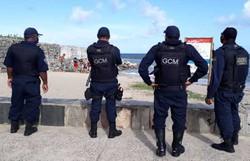 Operação na orla de Olinda flagra prática de surfe e banho de mar irregular (Foto: Divulgação )