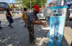 Estruturas itinerantes de sanitização são instaladas em Jaboatão dos Guararapes (Foto: Chico Bezerra/PJG)