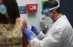 Covid-19: Fiocruz recebe R$ 100 milhões para produção de vacina (Foto: Joe Raedle/Getty Images North America/Getty Images via AFP)