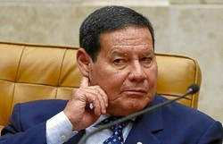 """Mourão sobre reeleição no Senado e na Câmara: """"Constituição Federal é clara. Não pode"""" (Foto: Sergio Lima/AFP )"""