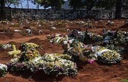 Brasil chega a 217.664 mortes e 8,8 milhões de casos de Covid-19 (Foto: NELSON ALMEIDA / AFP)