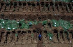 Brasil registra 58 novos óbitos e 1.076 casos nas últimas 24h (Foto: NELSON ALMEIDA / AFP)