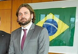 Demitido por uso de avião da FAB, Santini ganha novo cargo no governo (Foto: Reprução/Redes sociais)