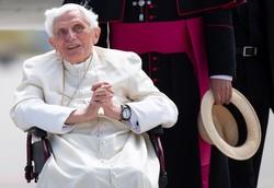 Bento XVI tem dificuldades para falar, revela cardeal Grech (Foto: Sven Hoppe / POOL / AFP )