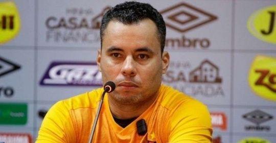 Treinador esteve à frente de cinco jogos pelo clube, sendo apenas um no Recife  (Anderson Stevens/ Sport Recife )