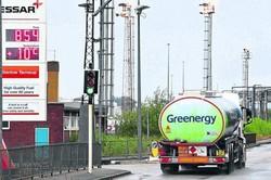 Reino Unido vive clima de pânico com falta de gasolina nos postos (Foto: Paul Ellis/AFP)