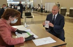 """Kremlin celebra """"triunfo"""" após referendo constitucional"""