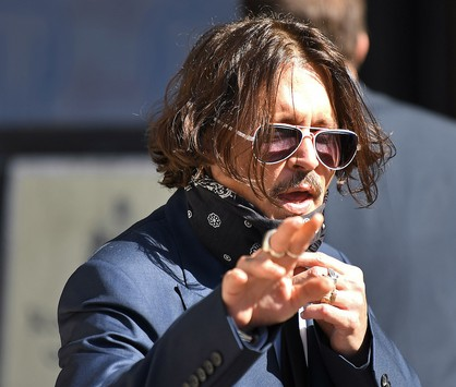 Depp leva The Sun ao tribunal (AFP)