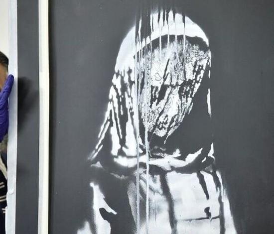Itália devolve Banksy roubado à França (AFP)