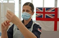 Vacinados têm três vezes menos risco de se infectar com Covid-19 na Inglaterra (Foto: AFP/Arquivo)