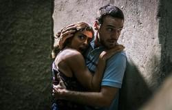 A Força do Querer: Rubinho consegue fugir da prisão, com a ajuda de Bibi. Confira o resumo desta terça