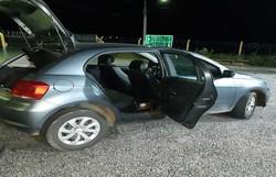 Drogas são apreendidas dentro de carro de locadora no Sertão do estado  (Foto: PRF/Divulgação )
