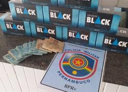 Cigarros contrabandeados são apreendidos em Catende, na Zona da Mata (PMPE/Divulgação)