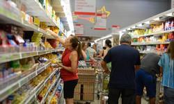 Inflação medida pelo IPC-S sobe em sete capitais (Foto: Tânia Rêgo/Agência Brasil )
