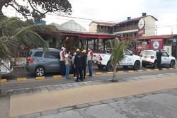 Fiscalização interdita bar e restaurante na orla de Olinda (Foto: Prefeitura de Olinda/Divulgação.)