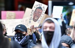 EUA espera novo dia de mobilizações em massa contra racismo (Foto: Paul ELLIS / AFP)