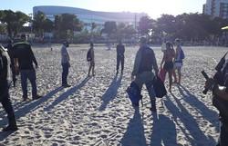 Fiscalização é mantida na orla de Olinda e banhistas são orientados a deixar o mar (Foto: Guarda Municipal de Olinda )