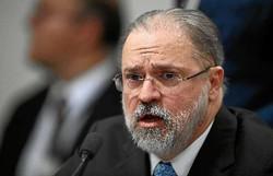 Senadores pedem que Conselho Superior do MPF abra processo contra Aras (Foto: Evaristo Sá/AFP)