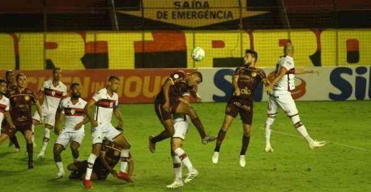 O último tento foi marcado pelo meia Thiago Neves, diante do Athletico-GO  (Peu Ricardo/DP Foto)