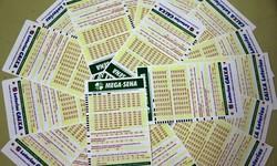 Mega-Sena sorteia nesta quarta-feira prêmio de R$ 42 milhões (As apostas podem ser feitas até as 19h, no horário de Brasília. Foto: Marcello Casal Jr/Agência Brasil)