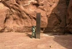 Misterioso 'obelisco' descoberto em deserto dos EUA dá origem a diferentes teorias (Foto: Handout / Utah Department of Public Safety / AFP)