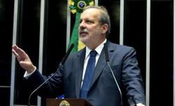 'PT e PSB: Relação esquizofrênica', disse o ex-senador Armando Monteiro (Foto: Divulgação)
