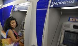 Bancos ainda estudam oferta de crédito garantido por saque-aniversário (Foto: Fernando Frazão / Agência Brasil)