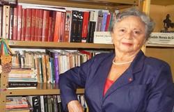 Escritora Ivanilde Morais de Gusmão lança antologia com contos, poesias e ensaios (Foto: Raphaela Nicácio/Divulgação)