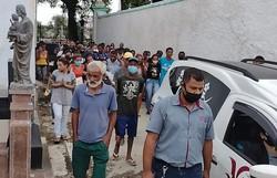 Criador de 'bigodin finin' e amigo são enterrados em Campos, no RJ (Foto: Reprodução/Facebook Edmilson Parango Monteiro)