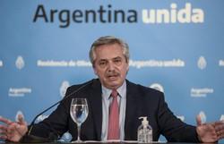 Presidente argentino diz que politizaram o combate à Covid-19 (Foto: Argentina's Presidency Press Office/AFP)