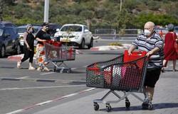 Em Melbourne, população esvazia supermercados antes de novo confinamento (Foto: Jack Guez/AFP)
