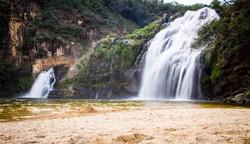 Minas não tem mar, mas tem cachoeiras: sete quedas d'água para curtir no estado