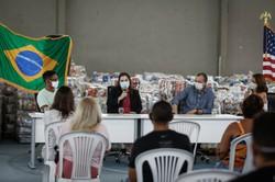 Consulado Geral dos EUA doa R$ 400 mil em cestas básicas e kits de higiene para comunidades do Recife (Foto: Paulo Paiva/ DP)