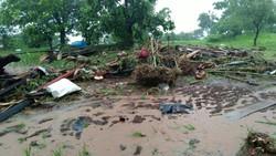 Deslizamentos de terra deixam 44 mortos e dezenas de desaparecidos na Índia (Foto: NDRF / AFP)