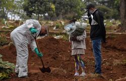 Covid-19 faz mais 287 vítimas no país; total de mortes passa de 173 mil (Foto: Nelson Almeida/AFP)