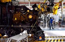 Produção industrial avança 7% após tombo na pandemia