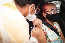 Mais da metade da população adulta do Recife já se vacinou contra a Covid-19, diz prefeitura (Fotos: Rodolfo Loepert/ArquivoPCR)