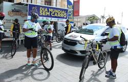 Bicicleta oferece mais agilidade no trânsito em horários de pico (Foto: Paulo Maciel/Detran-PE)