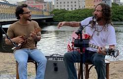 Silvério Pessoa revisita música em clipe nostálgico e com contornos de isolamento